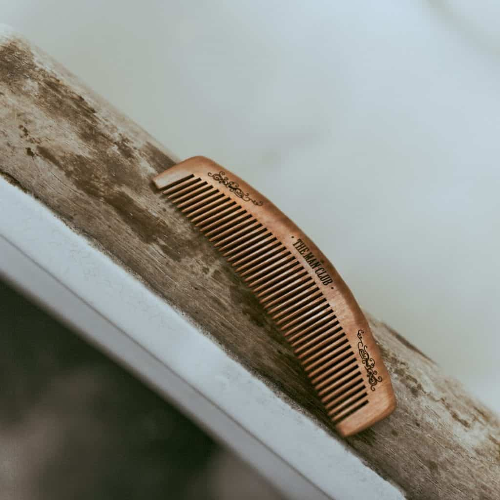 How to comb under chin - comb