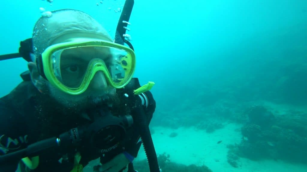 can you snorkel with a beard - lubricant